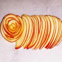 Tartelette au spéculoos & amandes crème vanillée et sa rose pomme