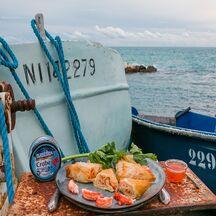 Samossas de crabe et de julienne de céleri à la citronnelle