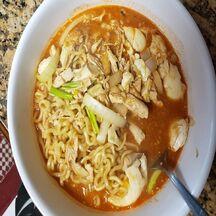 Soupe chinoise aux nouilles udon et poulet