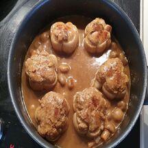 Paupiettes de veau crémées aux champignons et sauce tomate