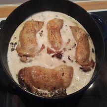 Cuisses de poulet aux morilles et au vin jaune