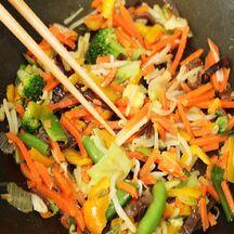 Tataki de saumon graines de sésame mi-cuit salé