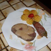 Gigue de daguet en rôti sauce champignons et ses légumes
