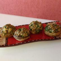 Champignons farcis à l'ail, persil et fromage