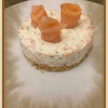 Façon cheesecake au saumon.