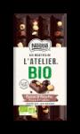 Tablette de de chocolat noir raisins et noisettes Bio Nestlé Les Recettes de l'Atelier